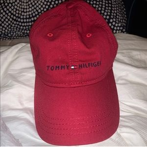 Tommy Hilfiger hat with adjustable strap